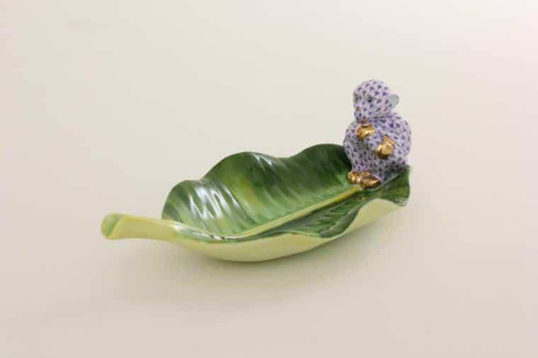 Monkey on banana leaf Fishnet Purple 05825-0-00 VHL+C small