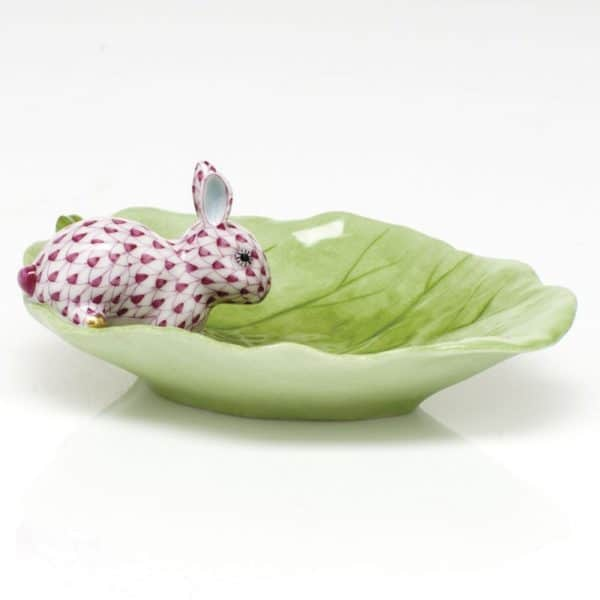 Herend Bunny on Cabbage Leaf Dish Raspberry Pink Fishnet