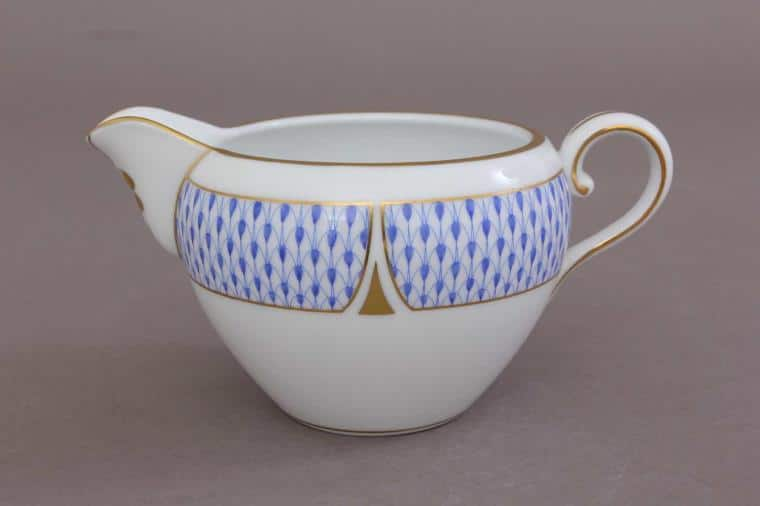02647-0-00 VHNKB 02647-0-00 VHNKB Herend Art Deco Fihsnet Blue Creamer 280 ml