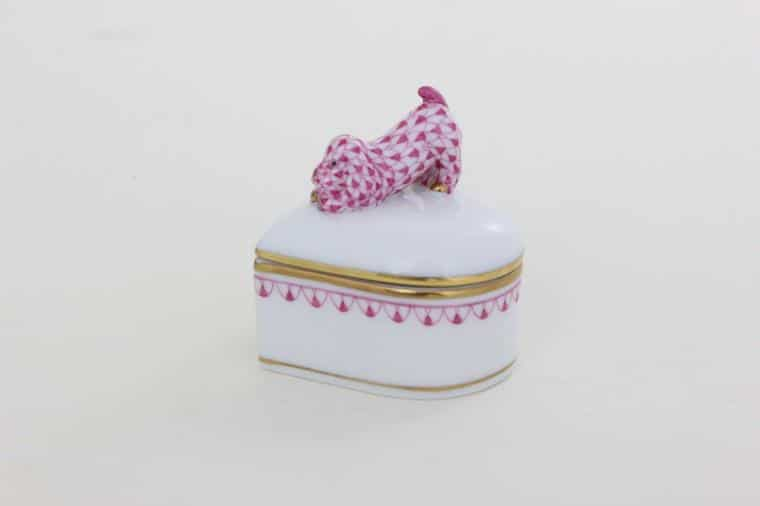 06112-0-91 BVHP1 Heart-shaped Box - Dog Knob - Fishnet Pink New home decor and perfect gift - cute heart shaped bo with dog knob - hand painted with world-famouse fishnet decor