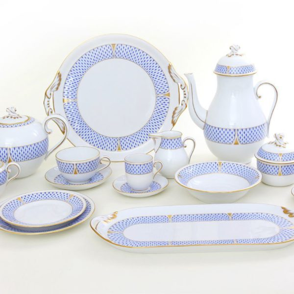 ARTDECO SET 02604-0-06 VHNKB Herend's new decor decorated with classic Herend Fishnet's Art Decor version designed in 2019. The legend is reborn! Available in Dinner sets, tea sets and coffee sets.