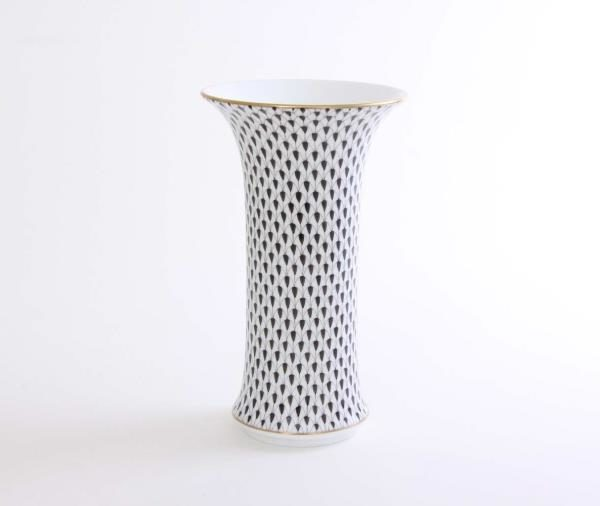 06443-0-00 VHN Herend 06443 Vase Fishnet Black Retro style tube shape Herend Vase hand painted with Fishnet Black. Also available in other color varations of this decor. Hand painted in Hungary