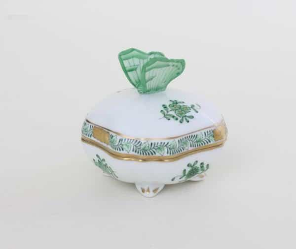 Bonbonniere Chinese Bouquet Apponyi Green Small Bonbon with butterfly knob and hand-painted with Apponyi Green decor which is Herend's bestseller motif. 06179-0-17 AV