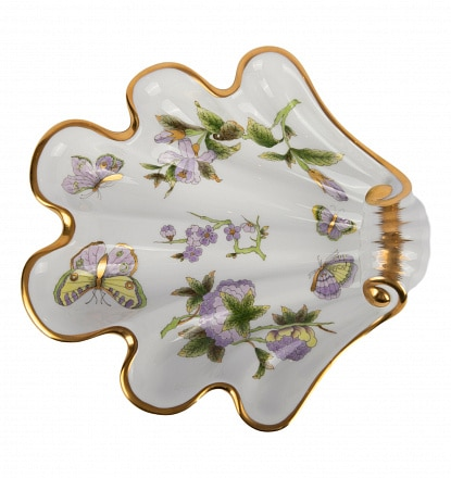 Shell - Royal Garden William & Kate Great gift for any occasion. Shell decor dish hand-painted with classic Herend decor with a modern twist