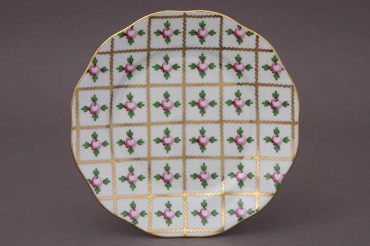 """Herend Sevres Roses Salad Plate 8.25"""" Diameter: 21 cm Hand-painted in Hungary at Herend Porcelain Manufactory. Shipping time 6-12 weeks"""