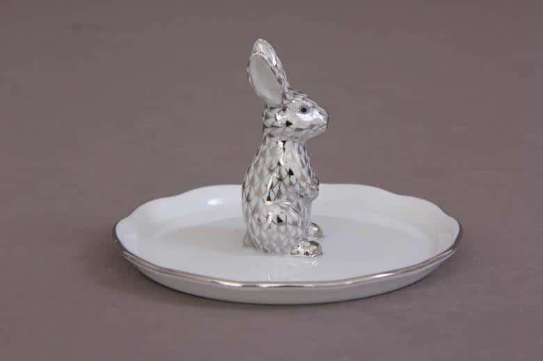 Herend-Fishnet-Platinum-Ringholder-With-Rabbit-00341091PTVH
